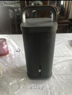 Brookstone Big Blue Party Indoor-Outdoor Bluetooth Speaker Excellent Condition