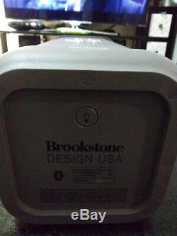 Brookstone Big Blue Party Président Bluetooth Intérieur-extérieur. No Cable Charger