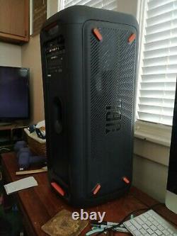 Jbl Partybox 300 Portable Party Speaker Black- À Peine Utilisé Et État Impressionnant